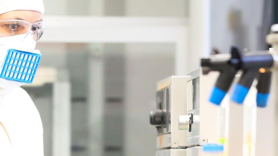 Фильтровальная бумага из нанопроволок TiO2 улавливает и уничтожает патогены