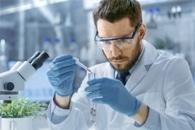 Стабильный наноноситель выделяет лекарства только в больные клетки